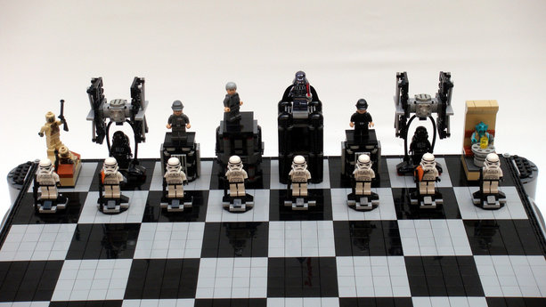 PHOTOS: Star Wars: A New Hope LEGO chess  3