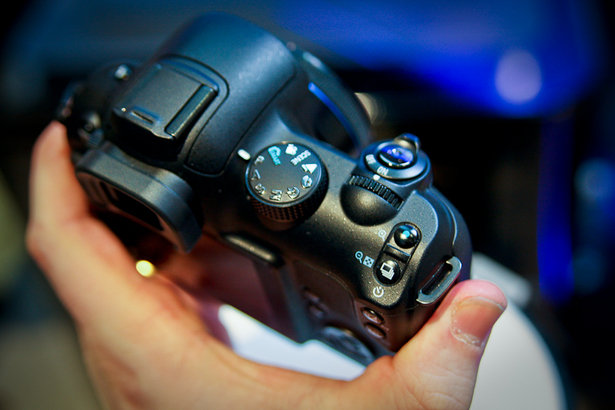 Samsung NX10 priced and dated for UK. Cameras, Prosumer cameras, Samsung, Samsung NX10, Digital cameras 0
