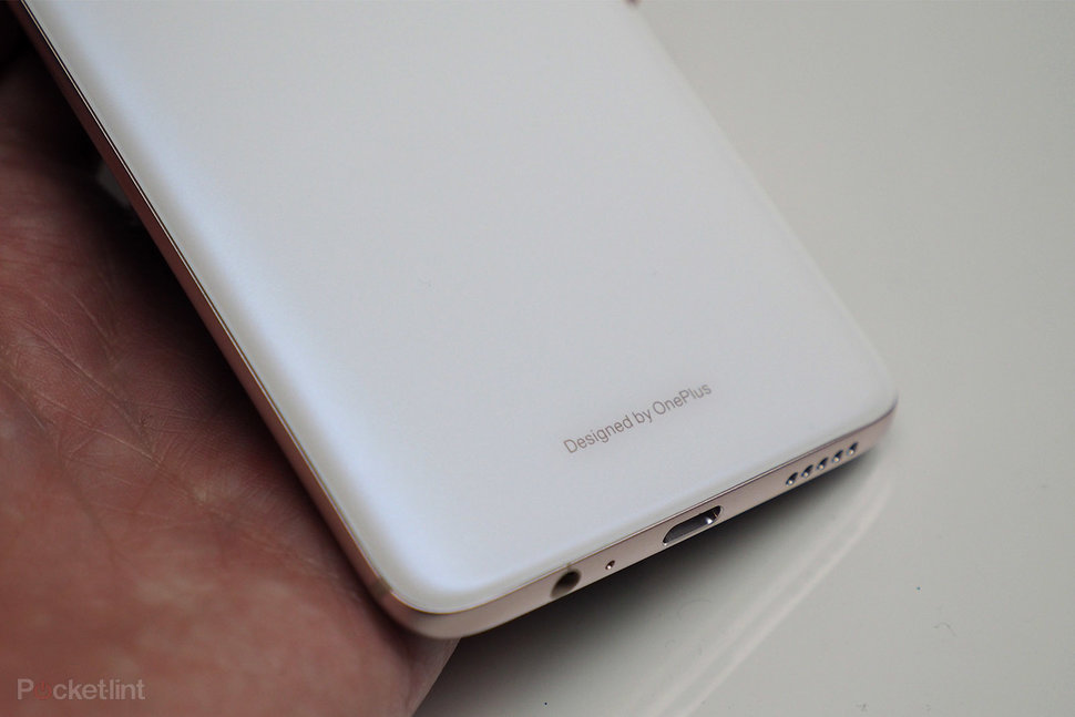 This is the OnePlus 6 Silk White in pictures, back in stock - P