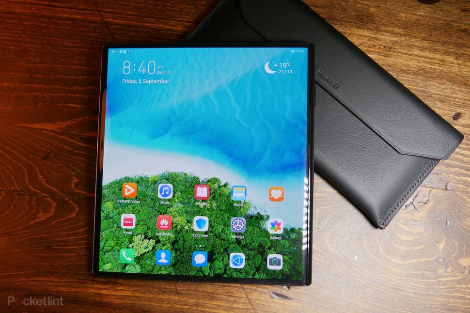 Huawei Mate X initial review: Foldable champ